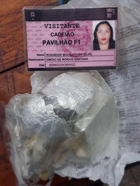 Detector do Iapen flagra tentativa de passar droga na vagina em papel alumínio