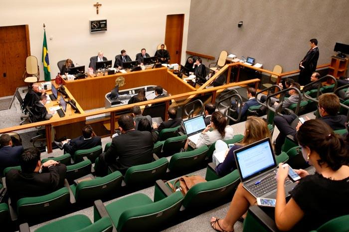 Governador tem julgamento no STJ suspenso pela 3ª vez
