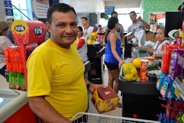 A poucas horas da Ceia, amapaense lota supermercados