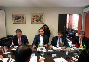 Waldez se junta governadores do Nordeste por aumento do FPE