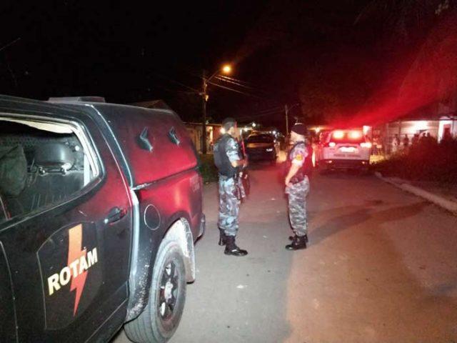 Assaltantes levam R$ 4 mil de recém-operado que recebia visitas em casa