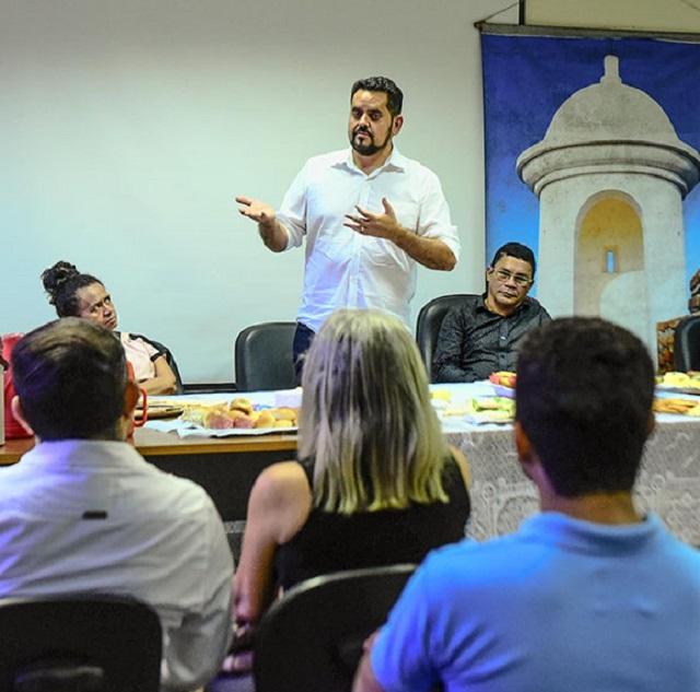 Dilson Borges responde à crítica dos artistas e admite saída da Secretaria de Cultura