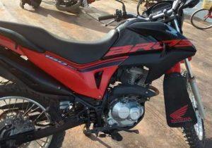 PM impede ex-detento de embarcar com motos furtadas