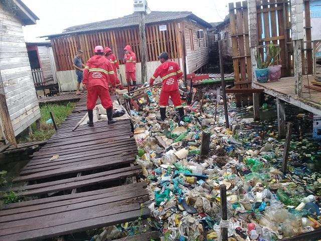 Mais de 60 toneladas de lixo entupiam ressaca no bairro nova esperança