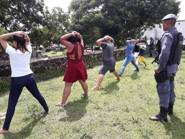 Polícia prende grupo que vendia drogas no Parque do Forte