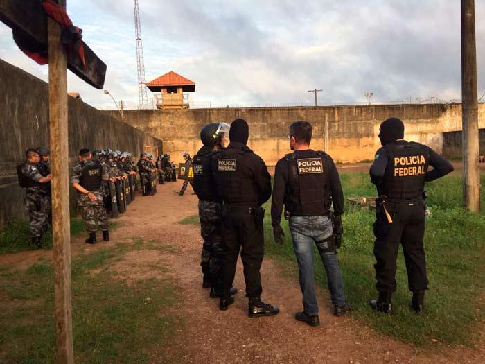 PF faz operação dentro do Iapen contra facção criminosa