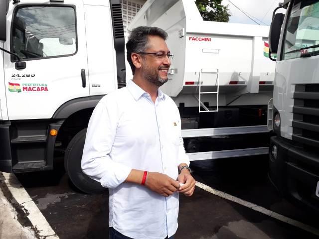 """""""Novas caçambas reestruturam patrulha mecanizada de Macapá"""", diz Clécio"""
