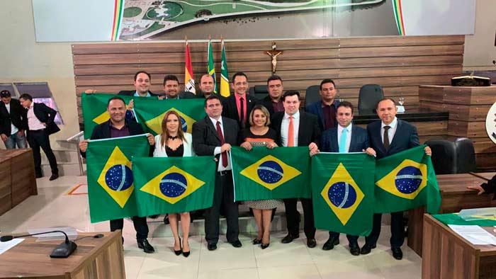 Ignorando liminar, vereadores de Macapá elegem novo presidente da CMM