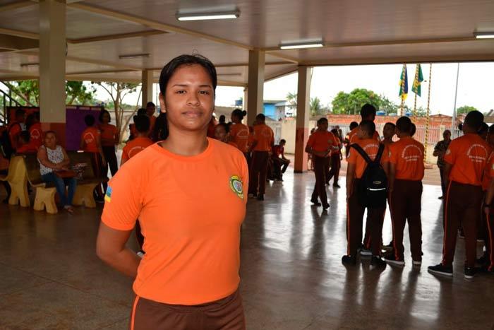 Deixei de ser bagunceira, diz aluna no 1º dia de aula em escola militar do Amapá