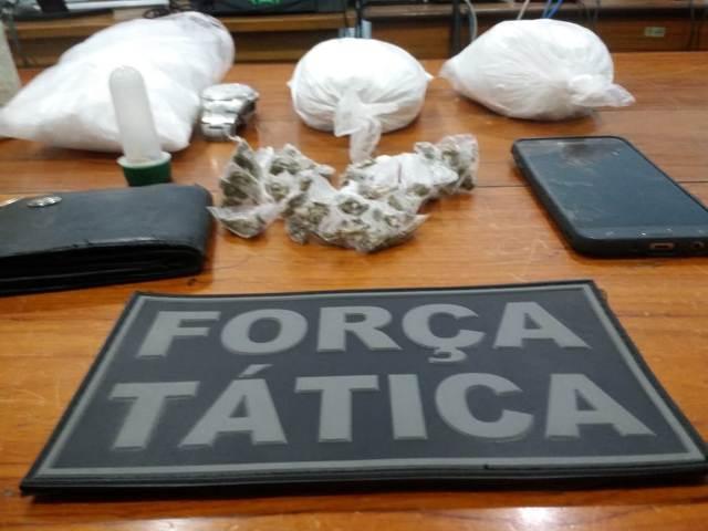 """Polícia fecha """"laboratório"""" de refino de drogas"""