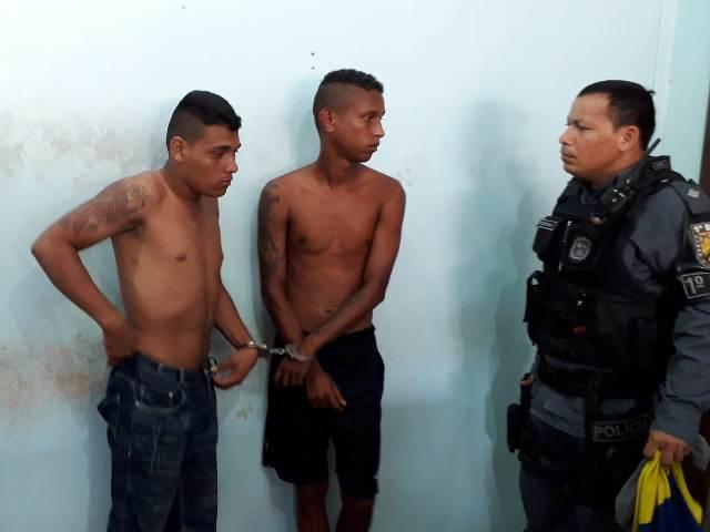 Dupla é presa após roubar e agredir homem que ia trabalhar