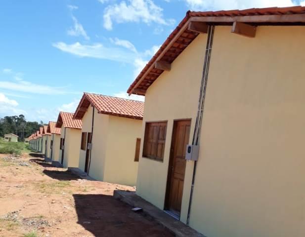 Em Cutias, casas não foram entregues por falta de água e energia