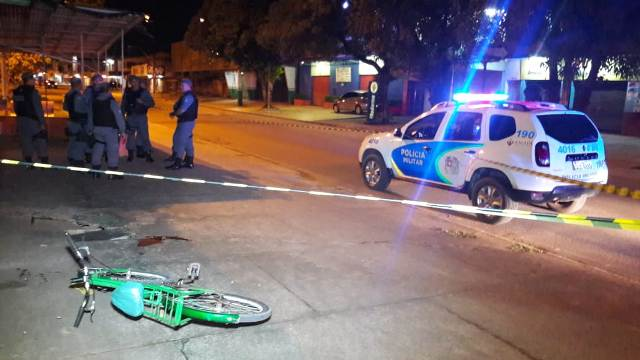 Jovem é morto a tiros após pedir refrigerante em bar