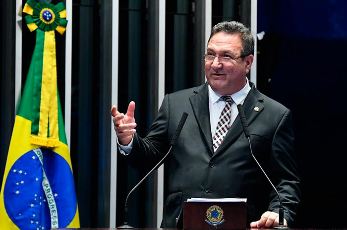 """No Senado, Lucas diz que Amapá é vítima de """"fake ecoplanetário"""""""