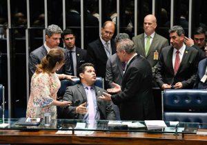 Eleição no Senado: Davi resiste por 5h, mas Renan derruba voto aberto no STF