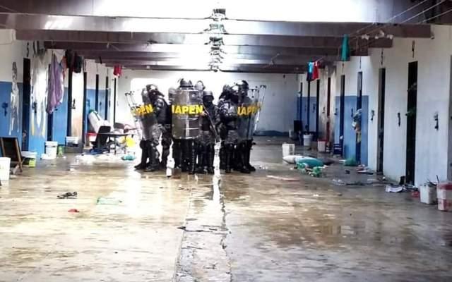 Intervenção em ala com quase 200 presos encontra celulares e drogas