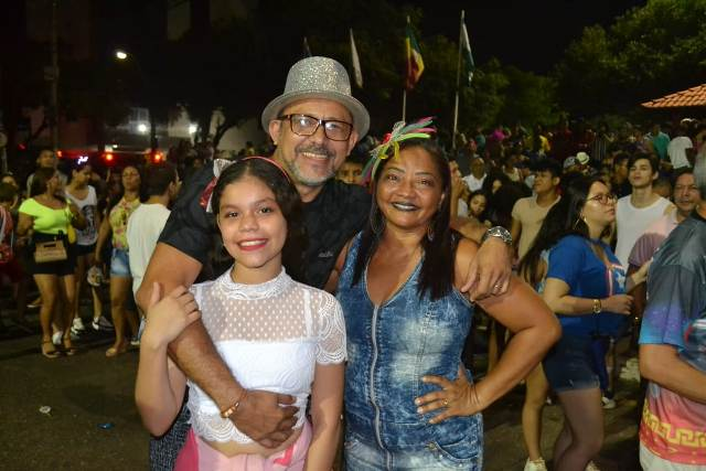 Famílias elogiam retorno de Carnaval à FAB