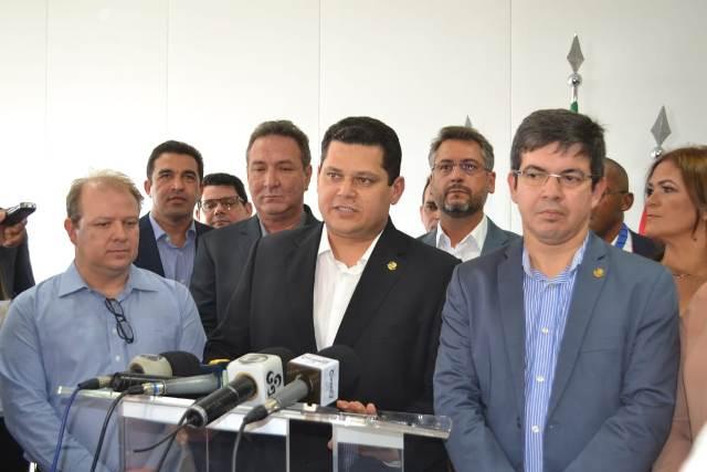 Presidente do Senado anuncia liberação de recursos para 3 hospitais