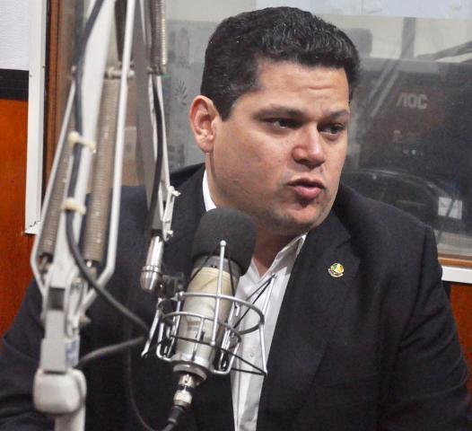 Davi levará ministro ao Jari e pedirá retomada da ponte que ligará Amapá ao Pará