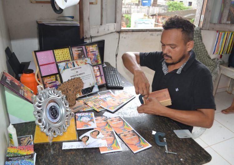 Fazendo livros na periferia, artista divulga lendas do Amapá nas escolas