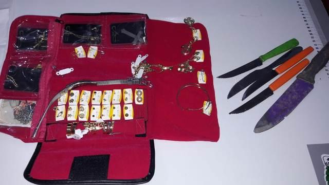 Ladrão de cabos de internet é preso tentando roubar R$ 1,4 mil em joias