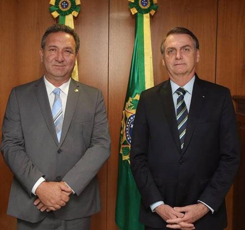 Lucas pede a Bolsonaro que BR-156 seja prioridade, e presidente diz que virá ao Amapá
