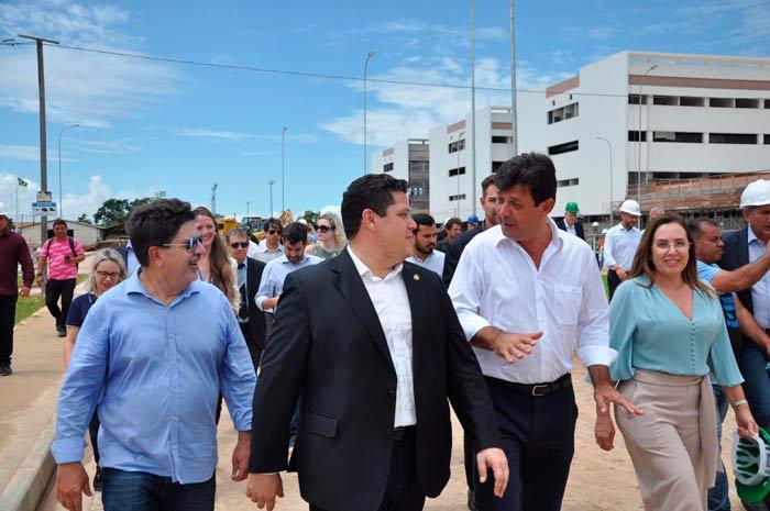 Ministro visita hospitais do Amapá, e diz que HU funcionará ainda em 2019