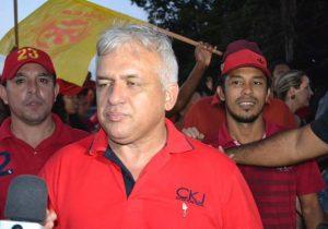Afastado, prefeito de Calçoene não consegue reaver salários