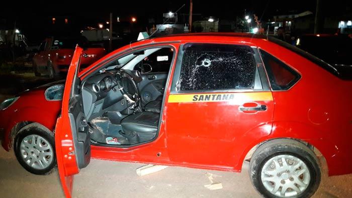 Taxista é vítima de emboscada em Santana