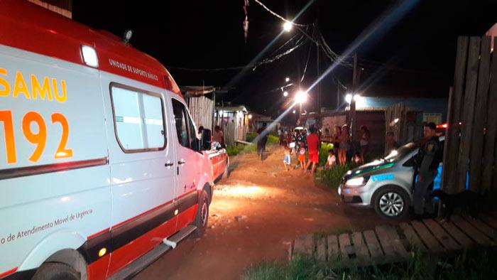 Membros de facção abrem fogo e deixam 3 feridos em bar