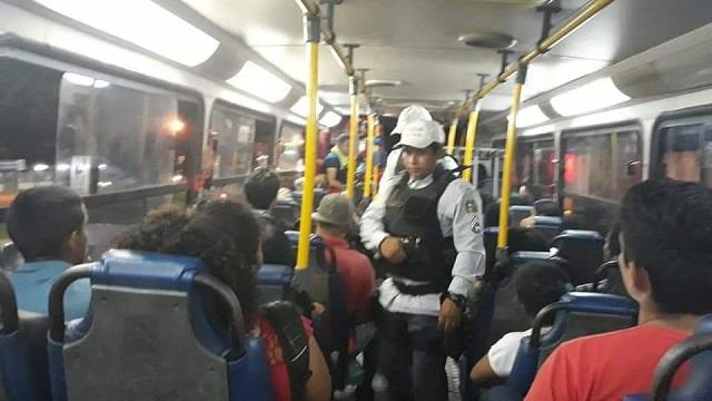 Polícia vasculha ônibus na zona norte de Macapá