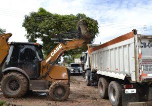 Ruas de bairro de Macapá abrigavam 3 mil toneladas de lixo