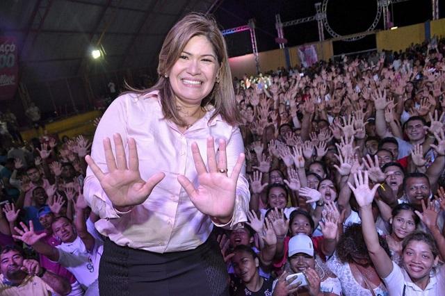 """Alvo da PF pela segunda vez, deputada Aline diz que """"sua campanha foi limpa"""""""