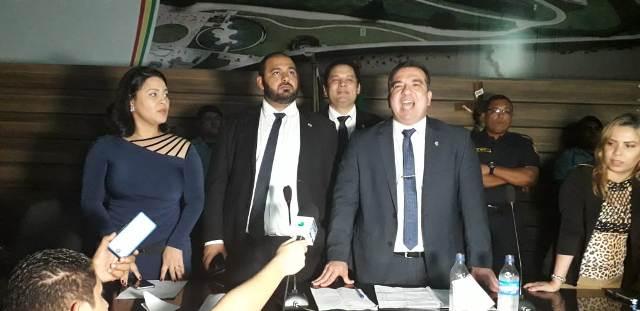 Após pancadaria e escuridão, Marcelo Dias é eleito na CMM com questionamentos