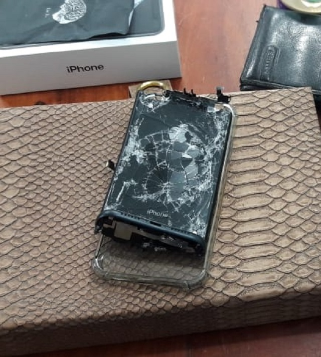 Assaltante quebra e enterra iPhone, mas é rastreado e preso