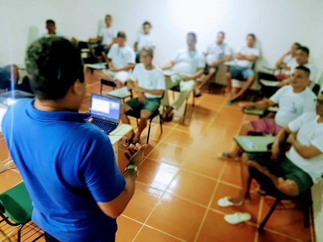 Internos do Iapen aprendem profissões pelo Pronatec