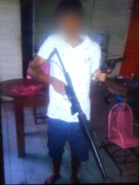 Bope prende membro de facção que ostentava fuzil