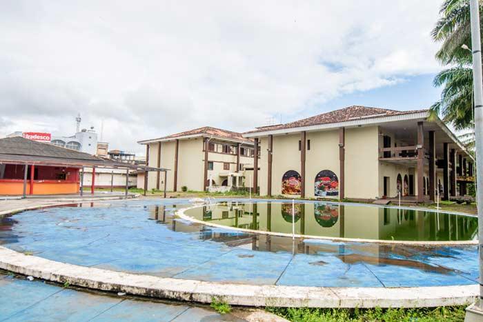Governo recua, e diz que agora pode vender o Macapá Hotel
