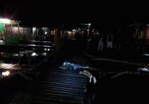 Polícia tenta identificar jovem morto em área de ponte