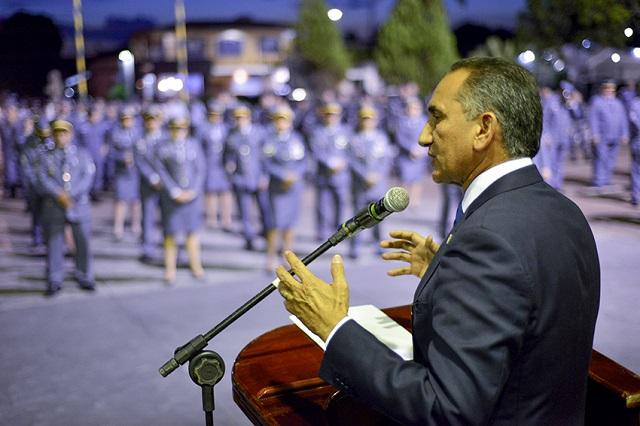 Waldez anuncia reaparelhamento da PM do Amapá