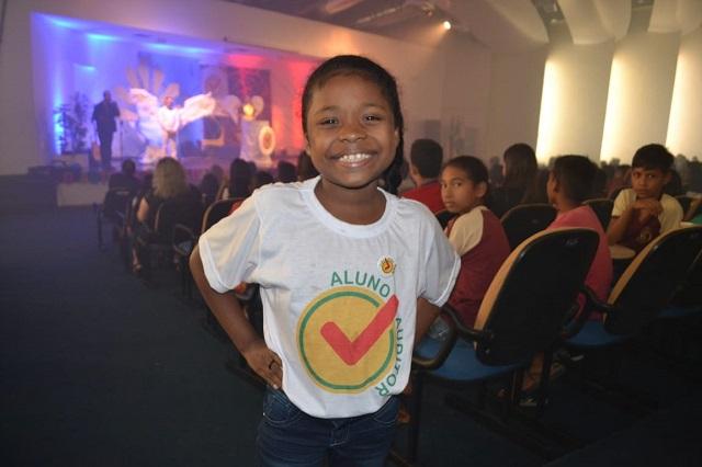"""Em projeto, aluna de 10 anos se destaca ao falar sobre """"respeito"""""""