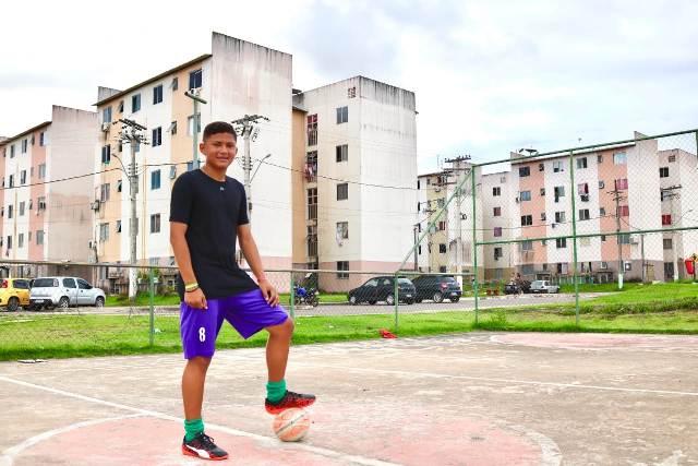 Menino de residencial é aprovado em peneira do Goiás