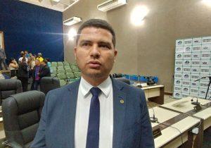 Deputado denuncia paralisação do setor pesqueiro e demissões em massa