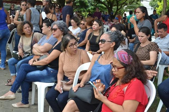 Professores transformam paralisação em greve por tempo indeterminado