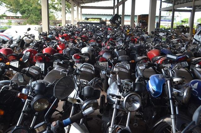 Motos e carros a partir de R$ 200 e R$ 840 no leilão do Detran