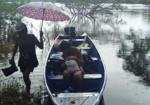 Ribeirinhos relatam prejuízos e falta de ajuda em região alagada por hidrelétrica