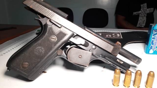"""PM encontra pistola da Polícia Civil em """"boca de fumo"""""""