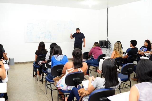 Aulas da Central do Enem iniciam em Santana
