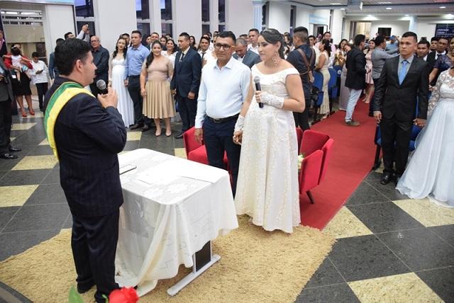 Justiça une 50 casais em casamento comunitário em Santana