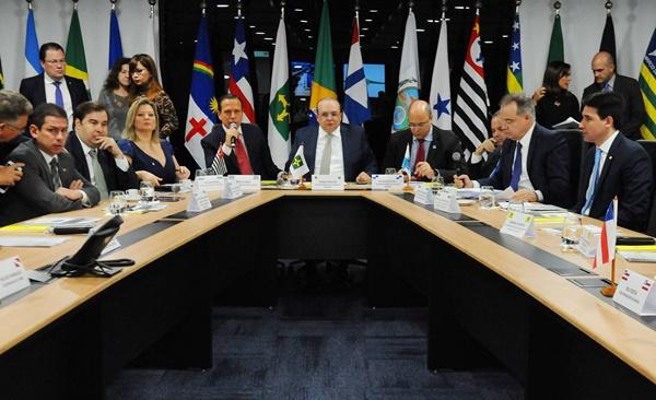 Governadores anunciam acordo e apoio à reforma da previdência